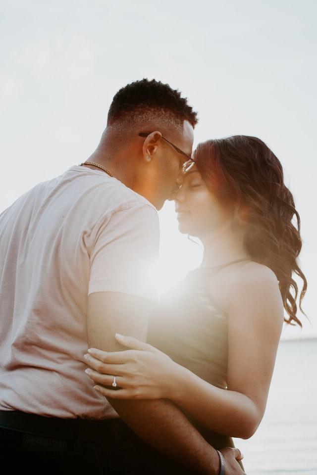 Gefeliciteerd man, je gaat trouwen, let hierop!